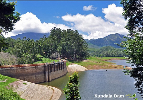 Munnar & Athirapally 3 Days 3-days Tour from Sholingur to Sholingur.